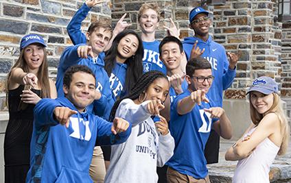 group of undergrad students in Duke gear